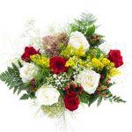 4 roses rouges, 4 roses blanches, solidagos et soupirs de bébé, hypericum rouge