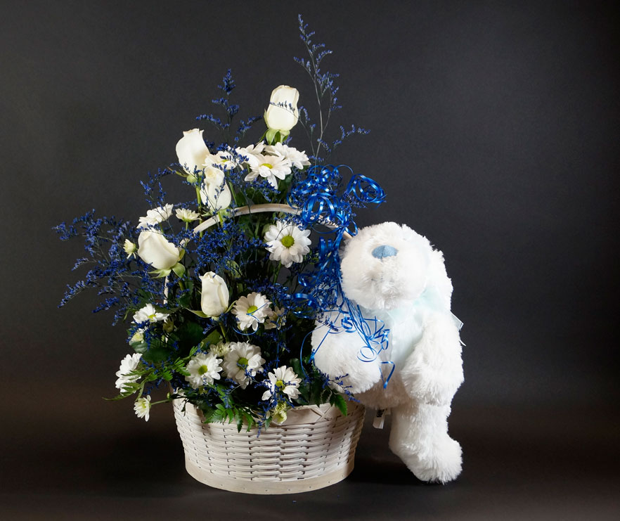Panier de fleurs pour naissance de garçon