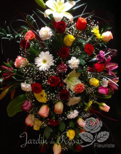 Roses, oeillets, lys et gerberas