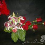 Roses rouges et lys St-Valentin