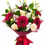 Bouquet de roses, gerberas et orchidées