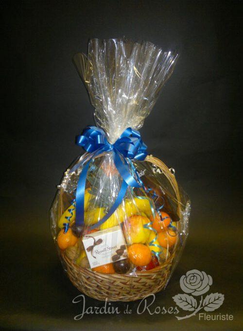 Panier de fruits et chocolat