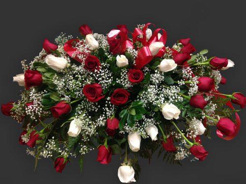 Gerbe de roses de cercueil